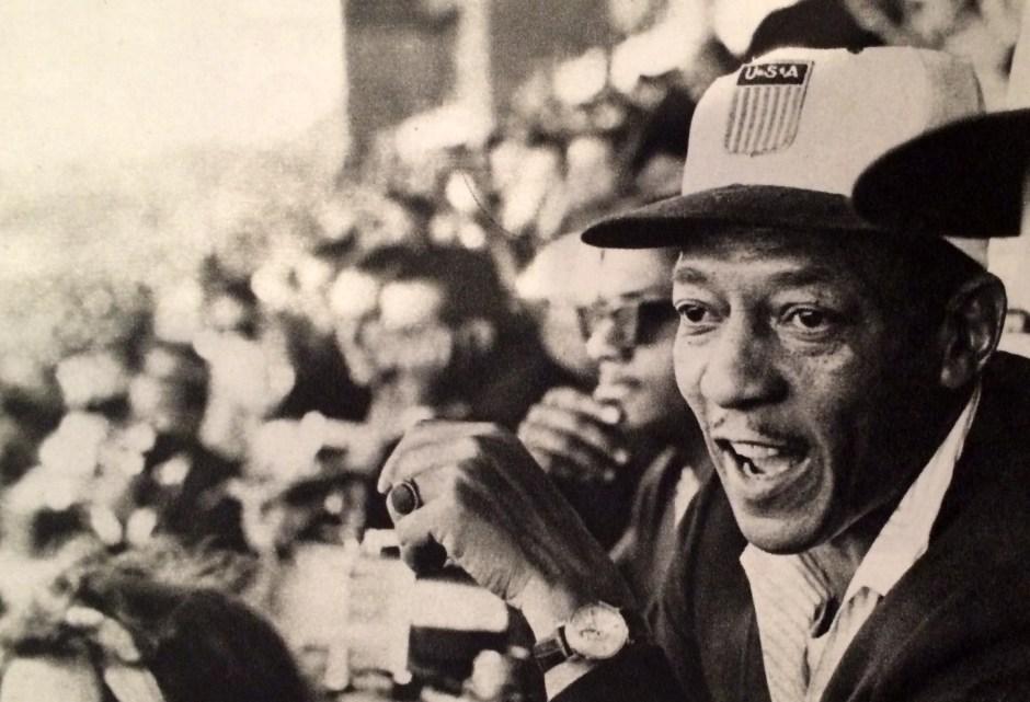 Jesse Owens in Tokyo_Tokyo Olympics Special Issue_Kokusai Johosha