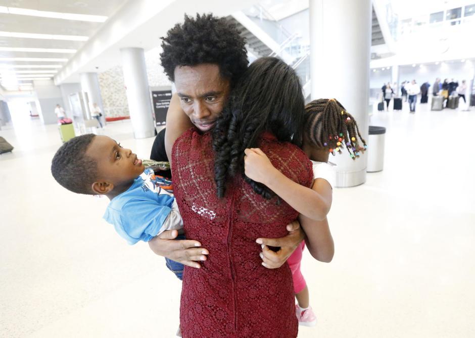 Feyisa Lilesa reunites with family
