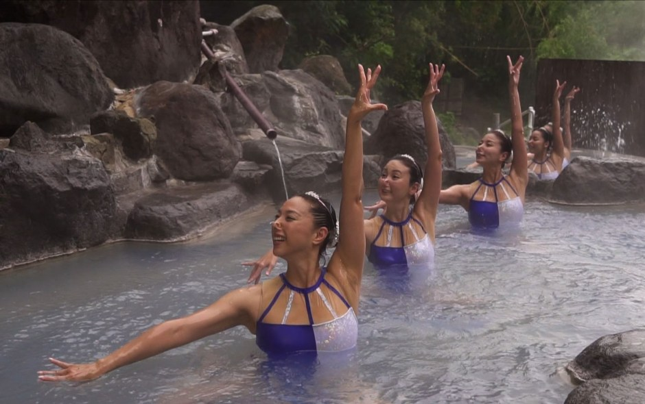 Mikako Kotani and synchronized swimmers in onsen