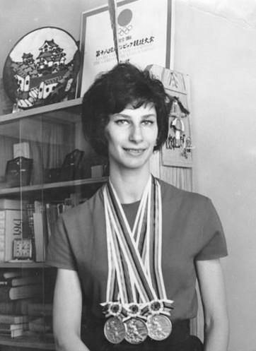 Szewińska and her Tokyo medals