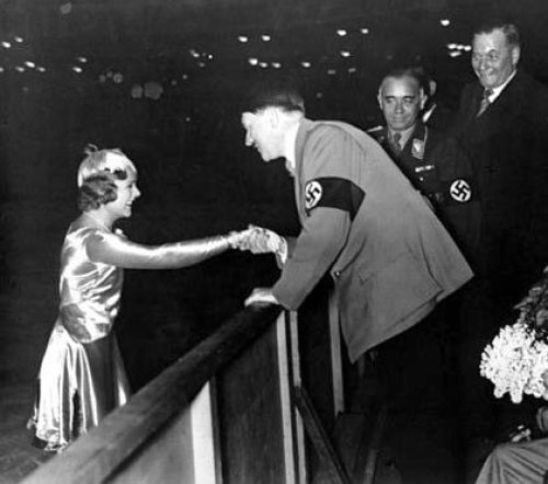 Sonja Henie_1936 Garmisch-Partenkirchen Olympics_Hitler