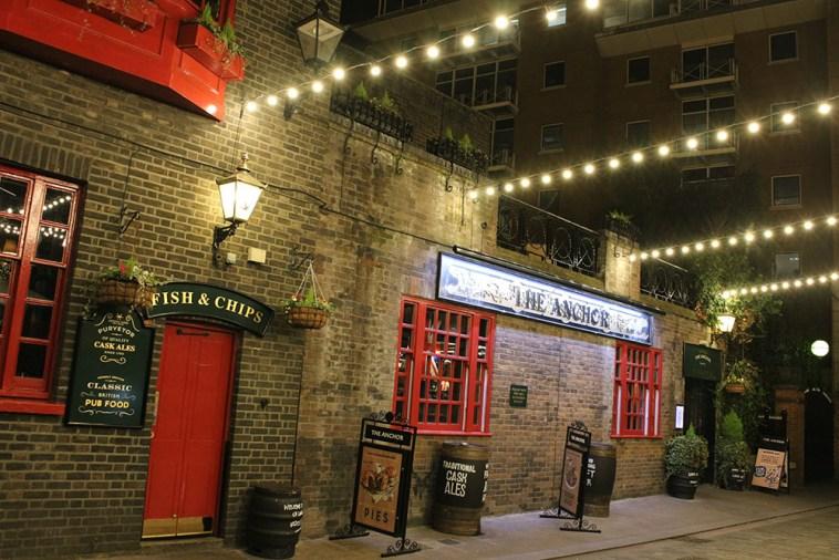 A waterfront pub near London Bridge
