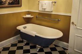 Kehoe House claw foot tub