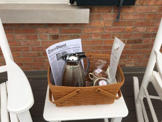 breakfast-basket-aurora-inn