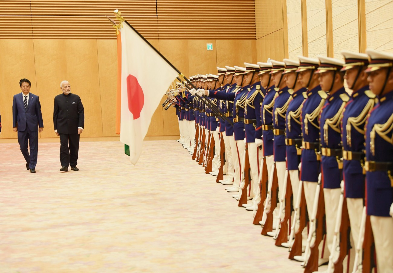 The Prime Minister, Shri Narendra Modi inspecting the Guard of Honour, during ceremonial welcome, in Tokyo, Japan on October 29, 2018. The Prime Minister of Japan, Mr. Shinzo Abe is also