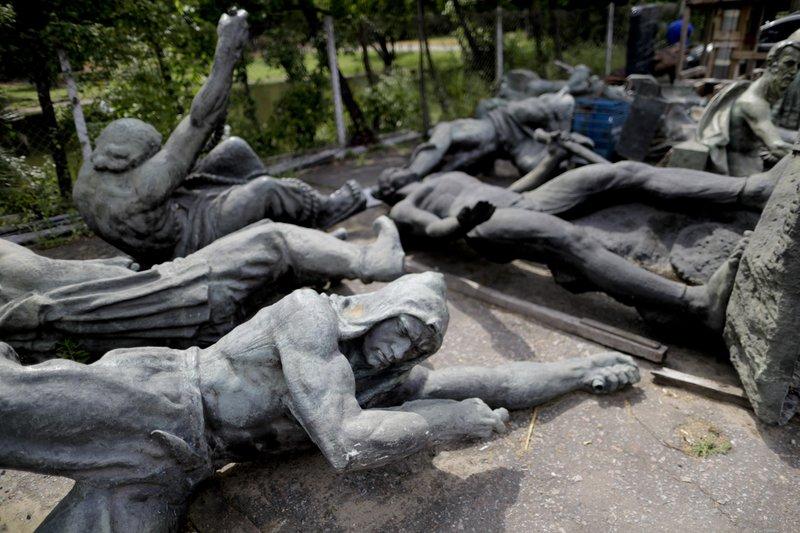 Argentine monuments- AP