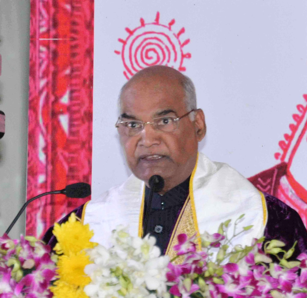 The President, Shri Ram Nath Kovind addressing at the first convocation of the AIIMS, at Rishikesh, in Uttarakhand on November 03, 2018-PIB
