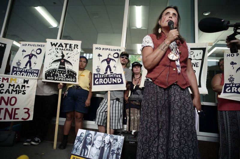 Oil pipeline opponents - AP
