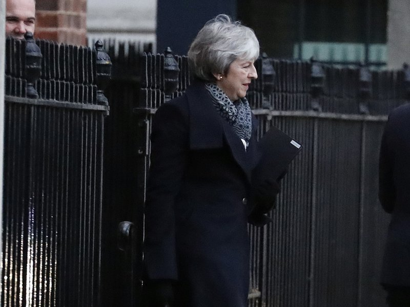 UK leader in frantic final push to win Brexit deal backing- AP