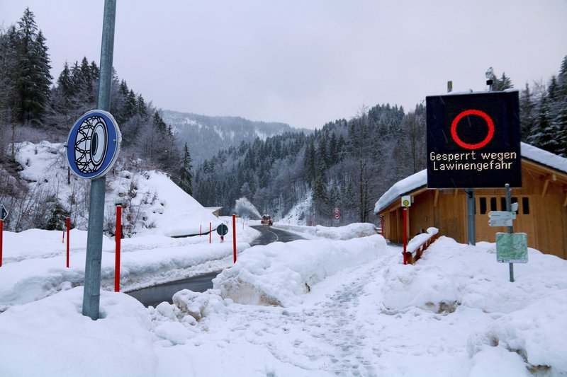 Avalanches, flooding cause disruptions in Austria, Germany- AP