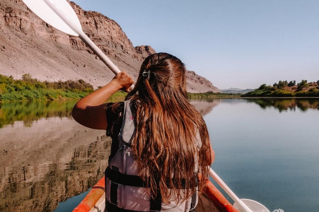 Noordoewer kanoën op de Oranjerivier | beste dingen om te doen in Namibië