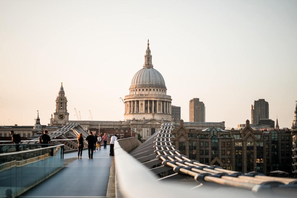Millennium Bridge | London | London | Harry Potter Tour | The Orange Backpack