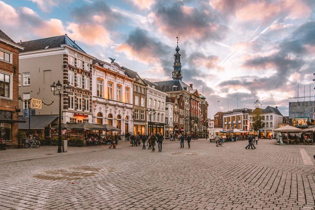 Den Bosch | 10 verrassende stedentrips in Nederland | 10 surprising city trips in the Netherlands | The Orange Backpack