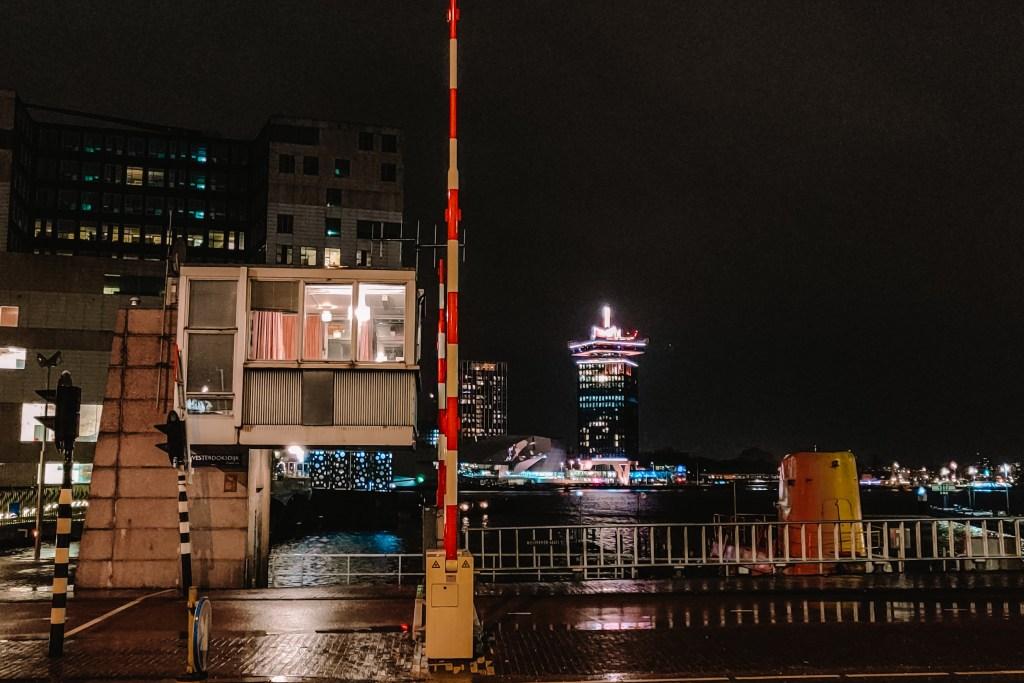 Brugwachtershuisje Westerdoksbrug | Sweets Hotel Amsterdam | Bridge huis | De oranje rugzak