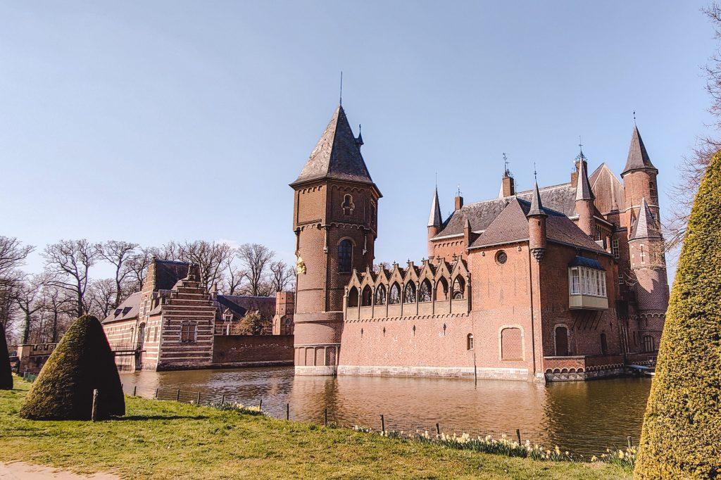Kasteel Heeswijk in Brabant | The Orange Backpack