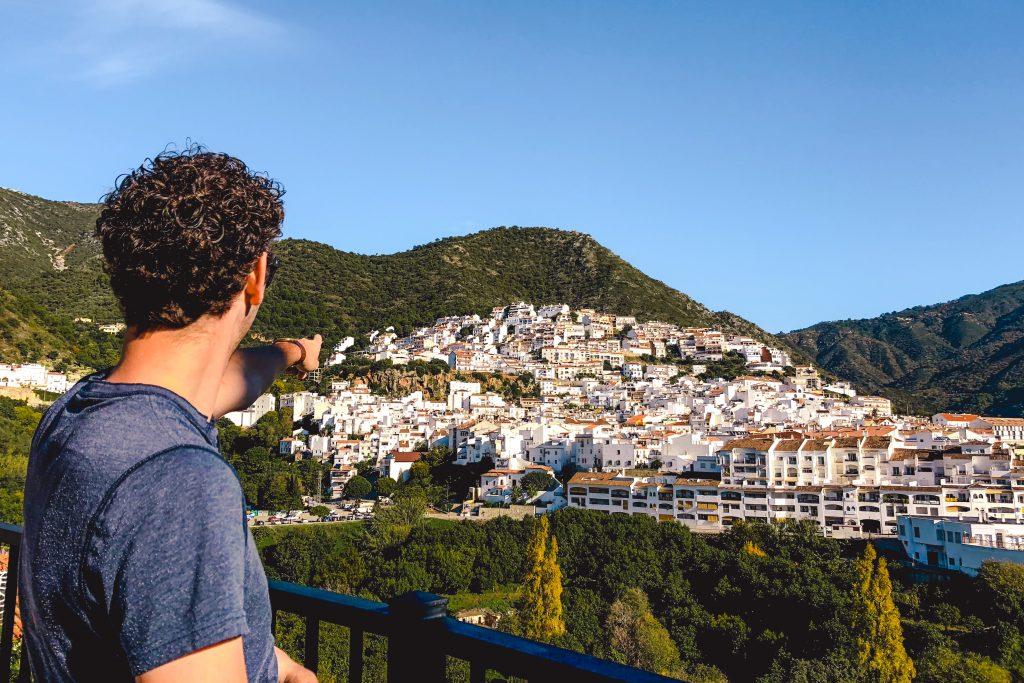 Ojén in Spanje   pueblo blanco in Spain