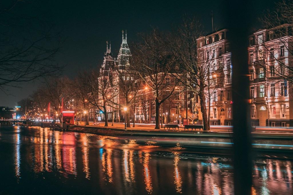 Amsterdam tijdens winterse stedentrip in Europa