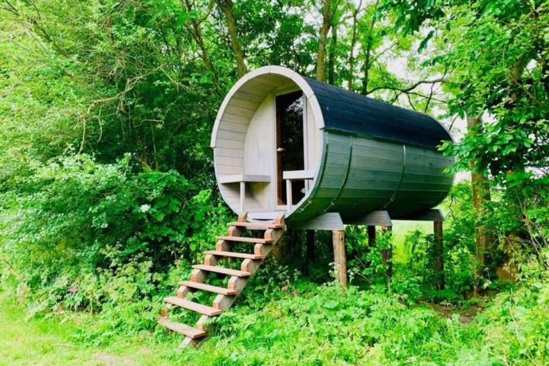 Airbnb met jacuzzi Boomhut aan de Vecht