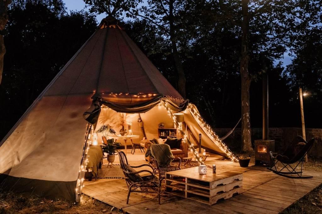 Bijzondere Airbnb romantische tipi in Limburg | Sunfield Tipi