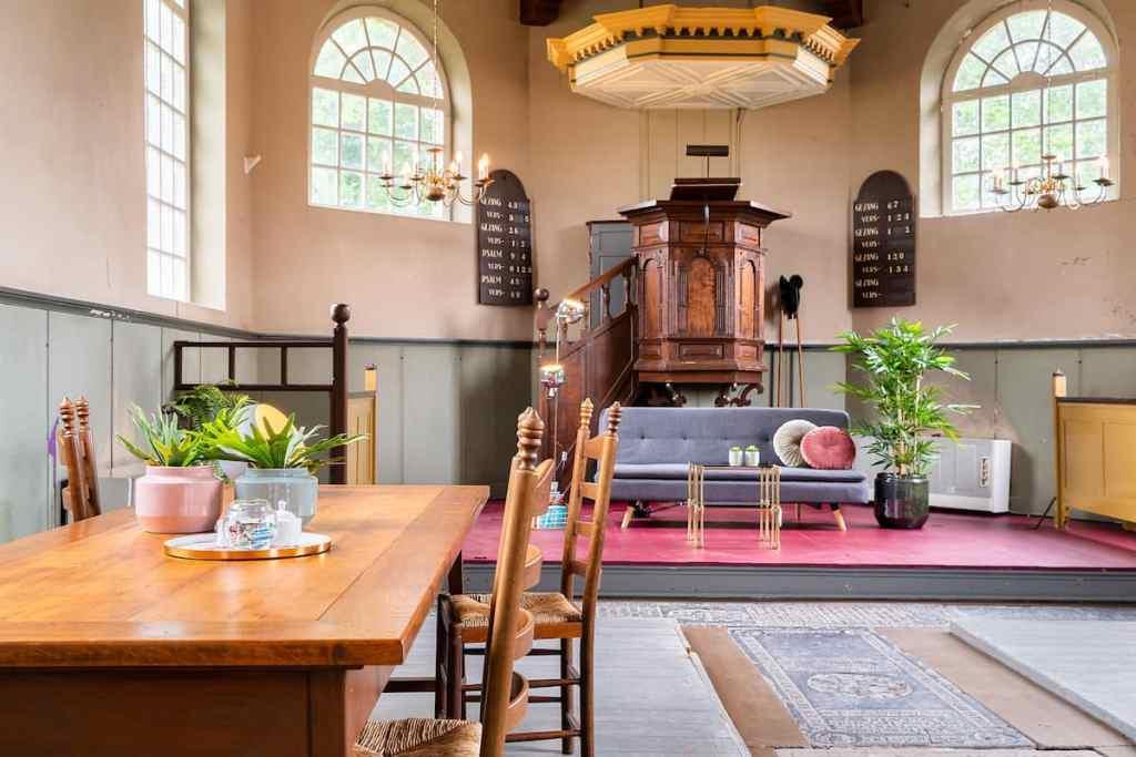 Heilige Nachten bijzondere airbnb slapen in een kerk