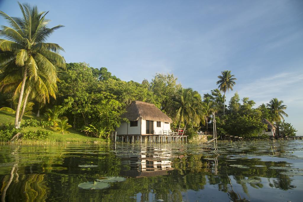 Lagoon Front Hut