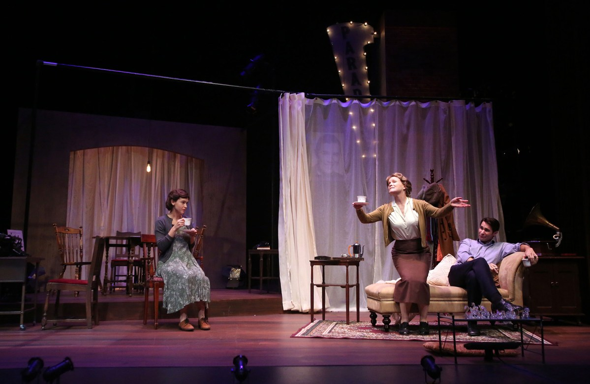 Fragile People : The Glass Menagerie @ International City Theatre in Long Beach - Review