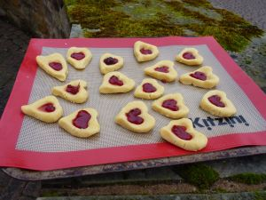 Jammy dodgers about to go in the oven