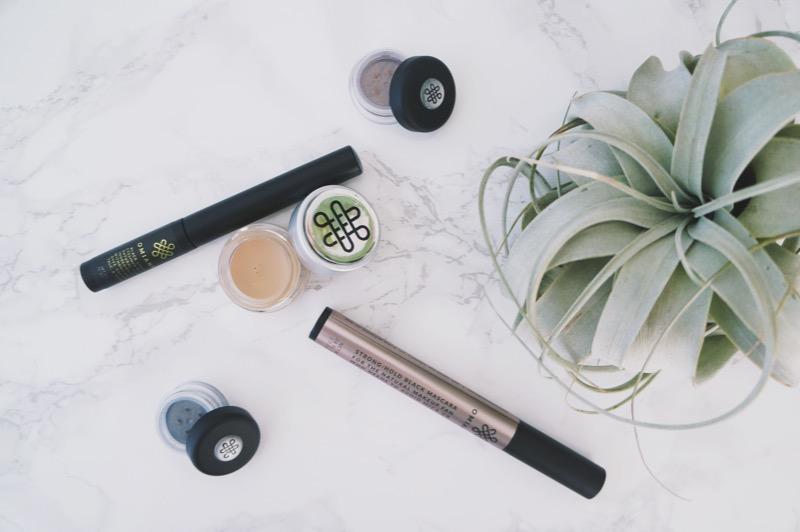 Omiana Talc-Free Natural Makeup  |  The Organic Beauty Blog