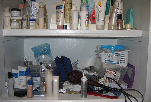 Warning: Common Endocrine Disruptors Lurking in Your Skin Care Products