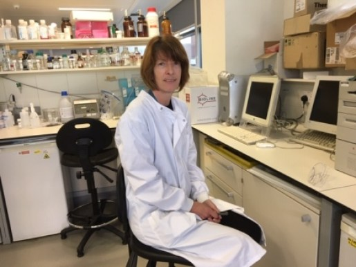 Dr Susan Currie in Lab
