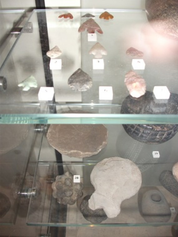 National Museum of Scotland pot lids arrowheads Bell