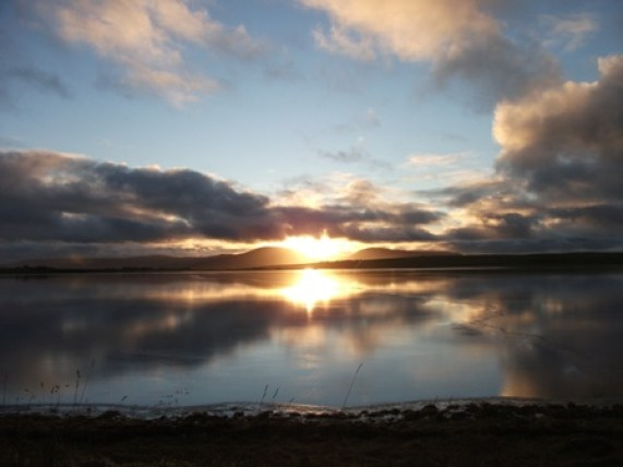 Stenness Loch Hoy Hill Setting winter sun Bell