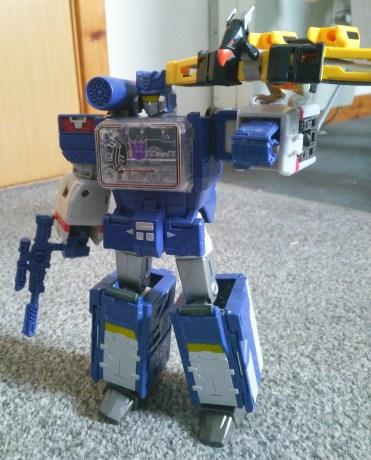 Titans Return Soundwave with Buzzsaw
