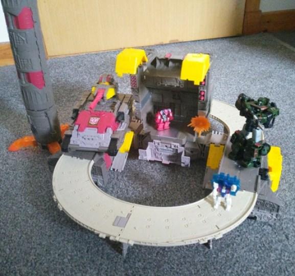 WFC Siege Omega Supreme Transformer Base mode