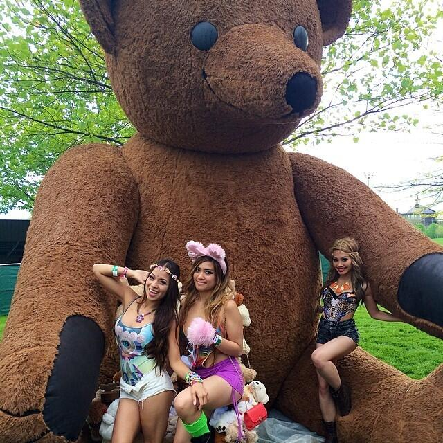 cute-raver-chick-Mysteryland-USA