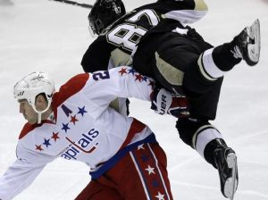 Pens' Crosby upended by Capitals defender