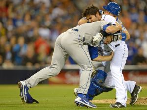 Padres OF Quentin charges Dodgers P Greinke after being hit by pitch