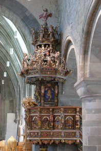 A very colourful pulpit, carved by the same man who created the epitaphs, a Scotsman named Andrew Smith