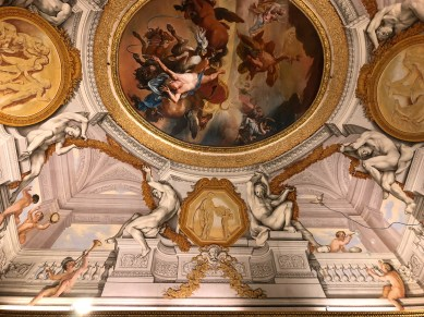Trompe L'Oeil on the ceiling.
