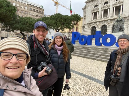 Porto Sign Selfie.
