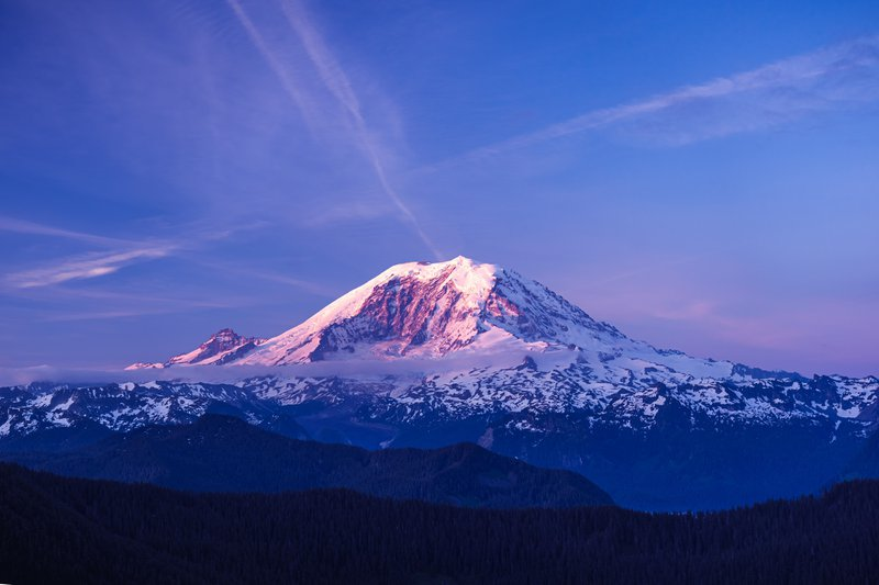 picture of Mt Rainer, location of the JanSport annual dealer climb