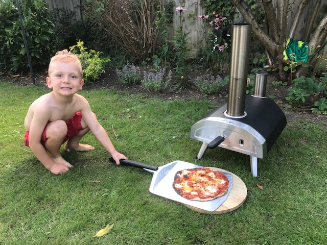 Ooni Fyra wood-fired outdoor pizza oven review