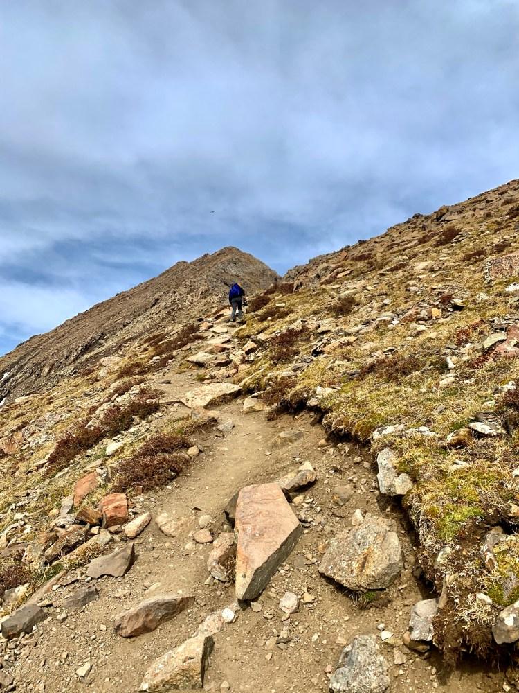 Humboldt Peak trail  climbing to ridge