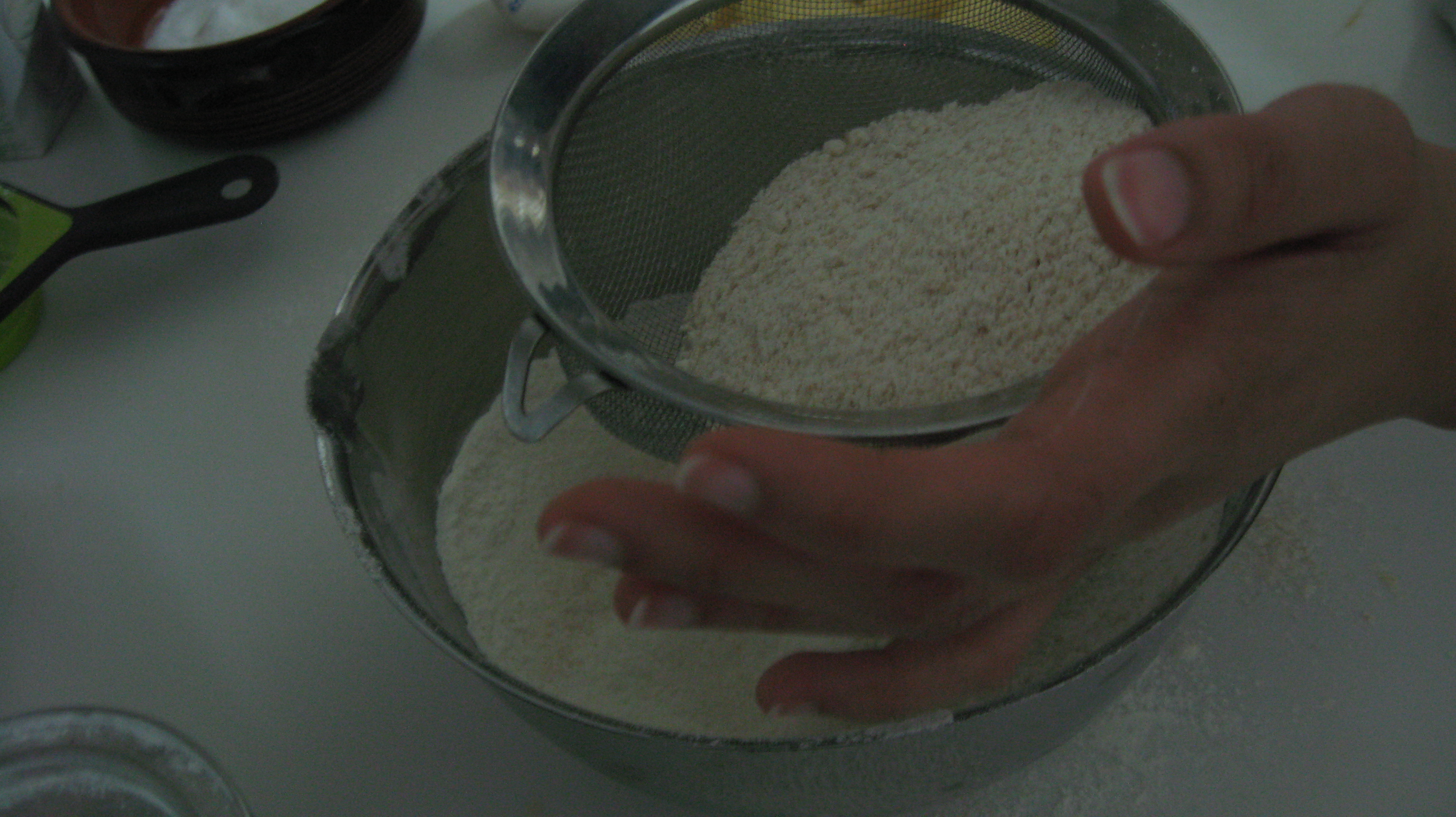 Sift plain and wholeweat flour