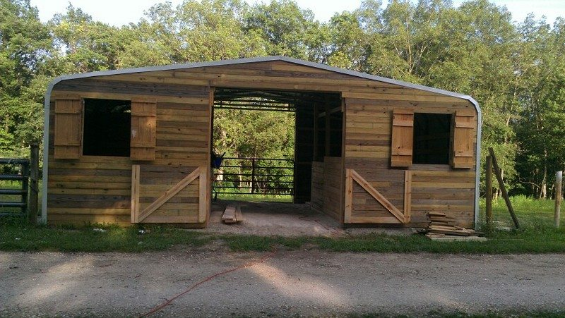 Pallet Horse Shelters EASY DIY And CRAFTS