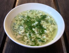 https://thepaddingtonfoodie.com/2013/06/04/the-5-2-challenge-chicken-soup-for-the-soul-stracciatella/