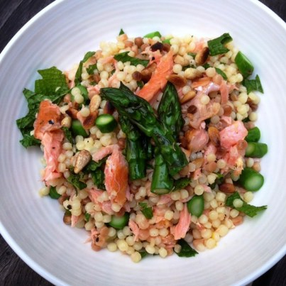 https://thepaddingtonfoodie.com/2013/10/18/eat-fast-live-longer-5-2-fast-day-recipe-idea-under-350-calories-toasted-fregola-salad-with-hot-smoked-salmon-asparagus-pine-nuts-and-mint/