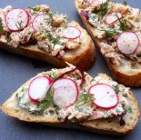 https://thepaddingtonfoodie.com/2014/02/28/a-quick-and-elegant-brunch-smoked-trout-tartine-with-radish-and-radicchio/