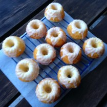 https://thepaddingtonfoodie.com/2014/05/28/secret-indulgences-little-lemon-and-almond-tea-cakes-with-drizzle-icing/
