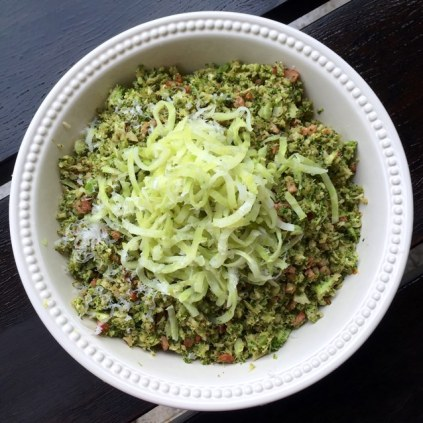 https://thepaddingtonfoodie.com/2015/01/13/eat-fast-and-live-longer-a-5-2-fast-diet-recipe-idea-under-200-calories-warm-broccoli-rice-salad-with-bacongarlicchilli-and-parmesan/